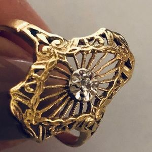 14K Gold & Diamond Ring